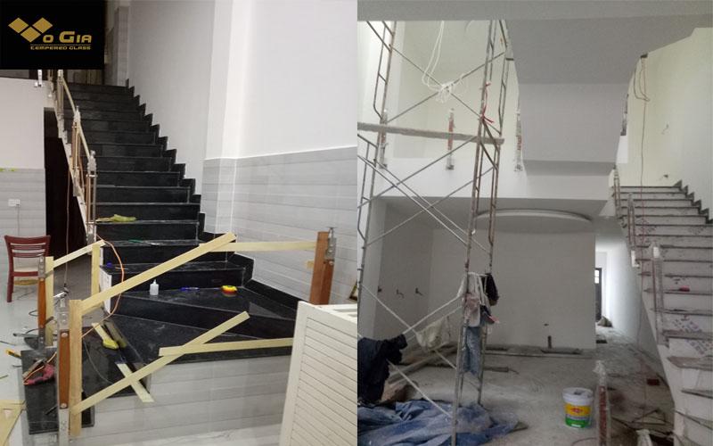 các bước lắp đặt cầu thang kính đúng chuẩn : tiến hành đo đạc thu thập thông số cần thiết đễ hỗ trợ lắp đặt cầu thang