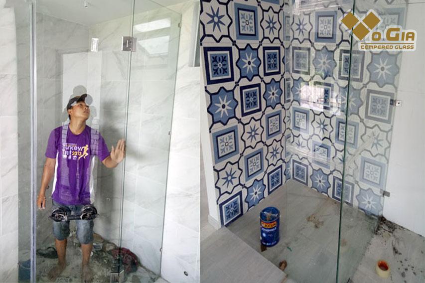Để nhà tắm trông thông thoáng sạch sẽ thì lắp đặt vách kính tắm là cần thiết