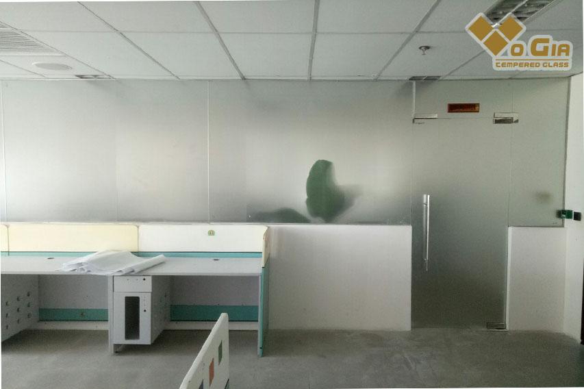 Công ty Thi Công Kính Cường Lực Đà Nẵng cung cấp dịch vụ thi công kính cường lực chất lượng