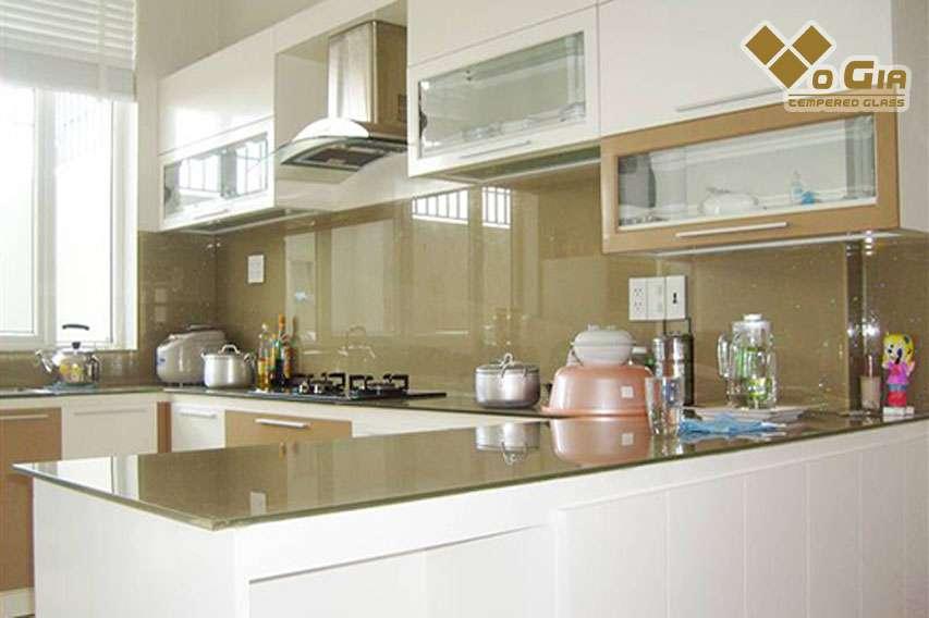 Kính ốp bếp mang tính thẩm mỹ cao cho ngôi nhà của bạn