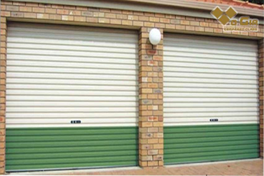 Kích thước cửa lớn thì giá đơn vị cửa cuốn càng rẻ