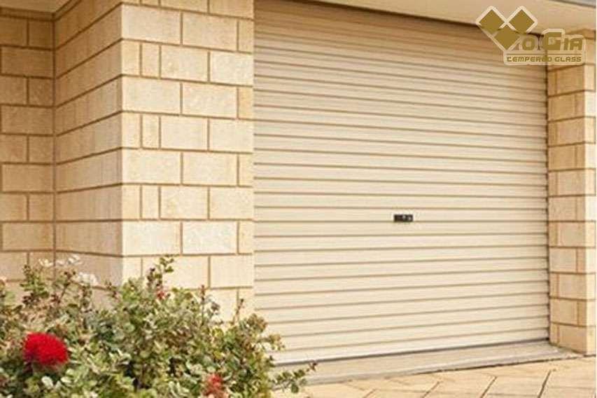 Cửa cuốn là loại cửa được sử dụng phổ biến hiện nay