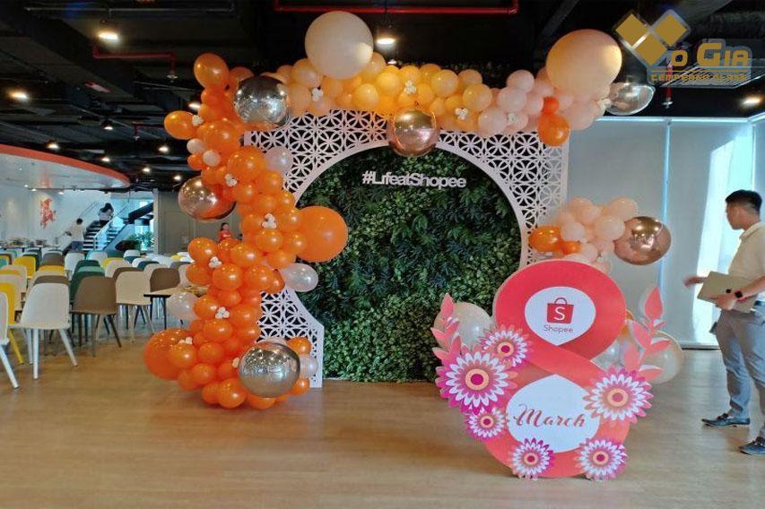 Tiểu cảnh tổ chức tiệc văn phòng chào mừng 8/3 Shopee | Trang trí, Văn  phòng, Tiệc