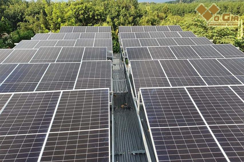 Hệ thống năng lượng mặt trời sử dụng nguồn năng lượng tái sinh