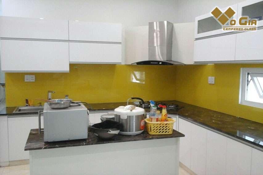 Kính màu ốp bếp tại Đà Nẵng