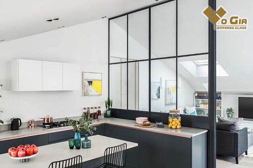 vách ngăn kính cường lực phòng khách Mang đến sự hiện đại, tinh tế cho ngôi nhà